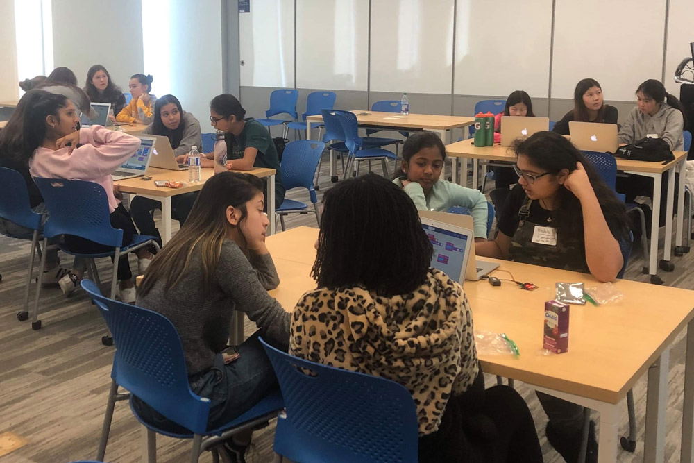 Engineering Outreach in the Faculty of Engineering and Applied Science hosted a Go ENG Girl event at Ontario Tech University on February 8, 2020.